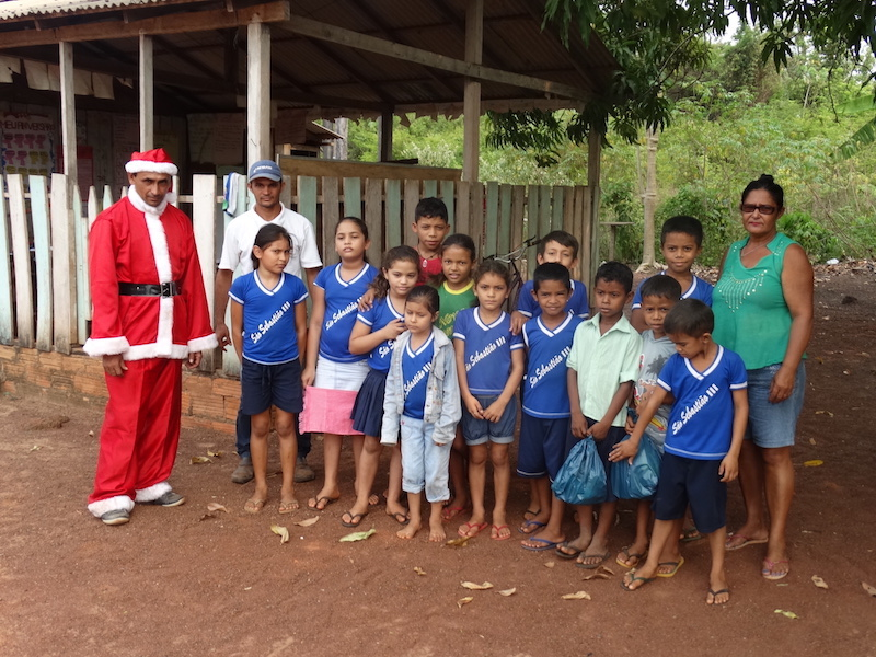 acai-amazonas-entrega-presentes-para-1-5-mil-criancas-em-acao-no-para