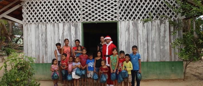 Açaí Amazonas entrega presentes para 1,5 mil crianças em ação no Pará